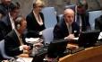 Secretário-geral das Nações Unidas, Ban Ki-moon (esquerda) e o ministro francês das Relações Exteriores, Laurent Fabius, durante reunião do Conselho de Segurança