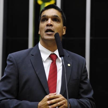 Rumo incerto. Daciolo no plenário: deputado está sob ameaçado de expulsão Foto: GUSTAVO_LIMA / Gustavo Lima/23-03-2015