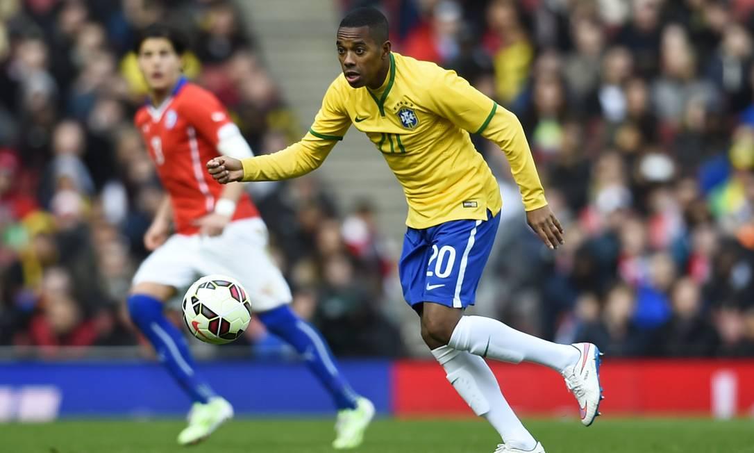 Robinho entrou no segundo tempo da partida em Londres Dylan Martinez / REUTERS
