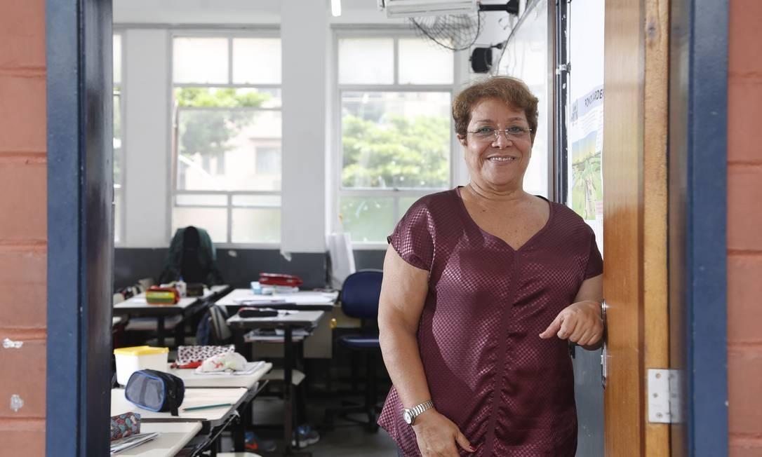 A professora Lucy Bauly trocou uma escola particular por uma pública Foto: Fabio Rossi / Agência O Globo