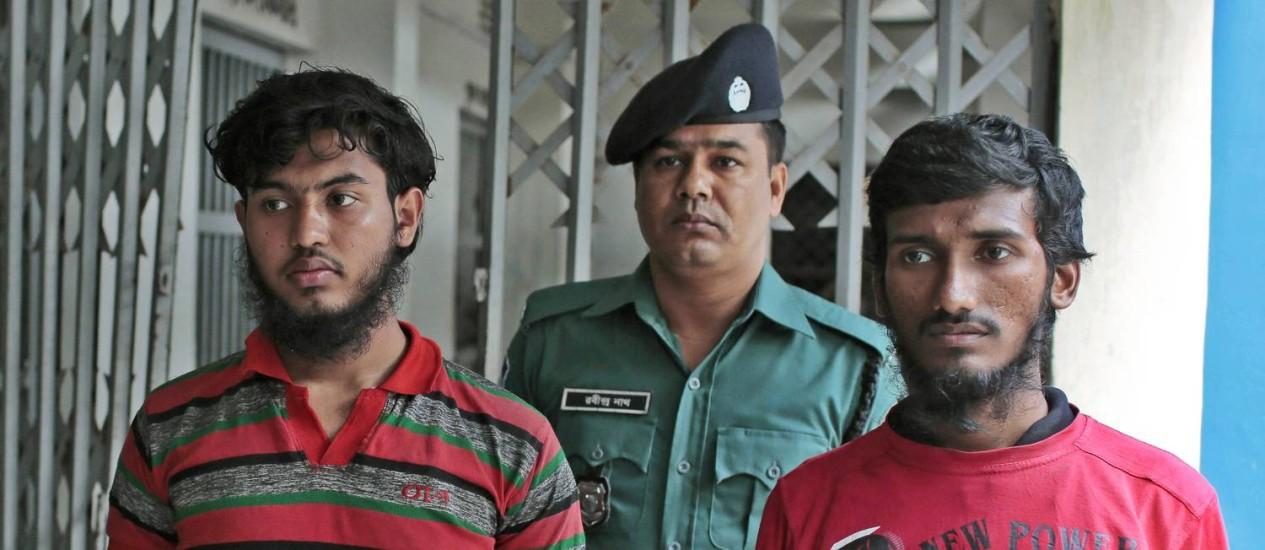 Jikrullah e Ariful Islam foram presos na hora Foto: A.M. Ahad / AP