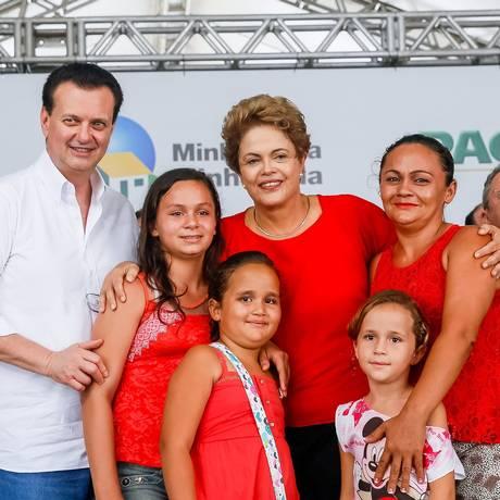 A presidente Dilma Rousseff durante Cerimônia de entrega de 1.032 unidades habitacionais do Conjunto José Rodrigues de Sousa, do Programa Minha Casa, Minha Vida Foto: Agência O Globo