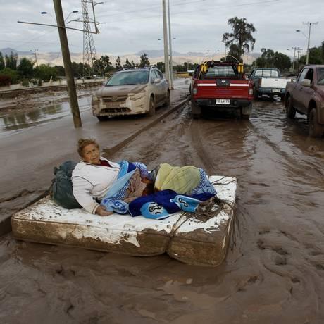 A cidade de Copiapó foi atingida por fortes chuvas que causaram enchentes no norte do Chile. O governo informou que 17 morreram e 20 estão desaparecidas Foto: Marcelo Hernandez / AP