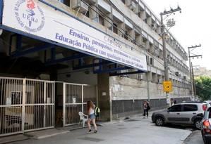 Ano letivo em risco: com falta de professores e crise na limpeza, CAp-Uerj ainda não retomou integralmente as aulas Foto: Marcos Tristão / Agência O Globo