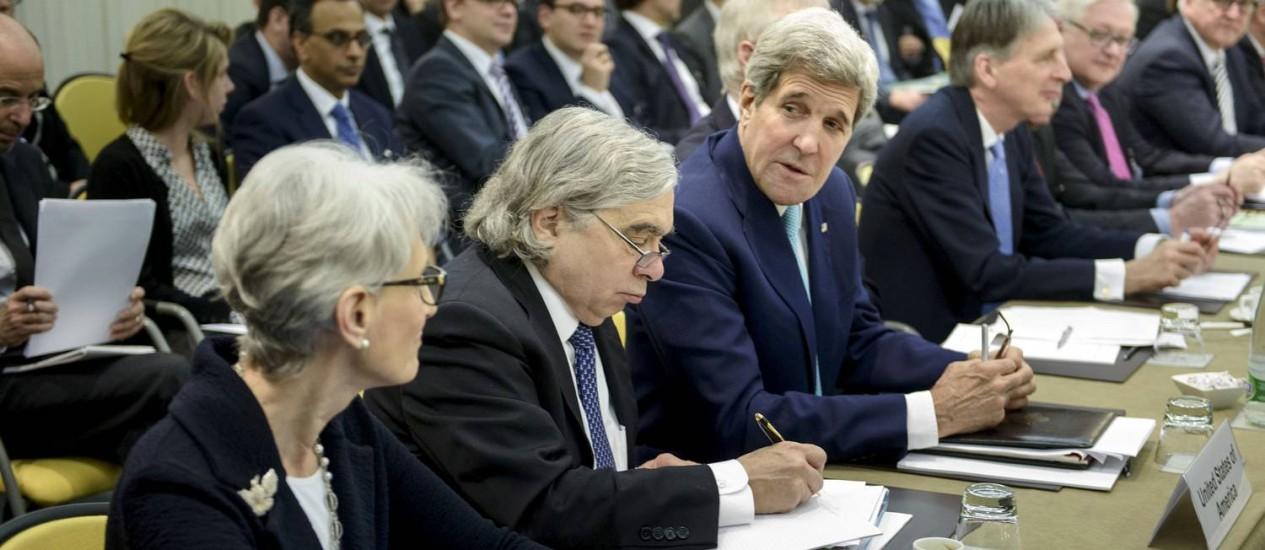 Kerry em nova reunião nesta terça-feira: situação é difícil Foto: Brendan Smialowski / REUTERS