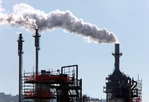 """Refinaria de petróleo na Califórnia: Casa Branca quer """"limpar"""" usinas e incentivar novas fontes de energia Foto: Monica Almeida/The New York Times"""