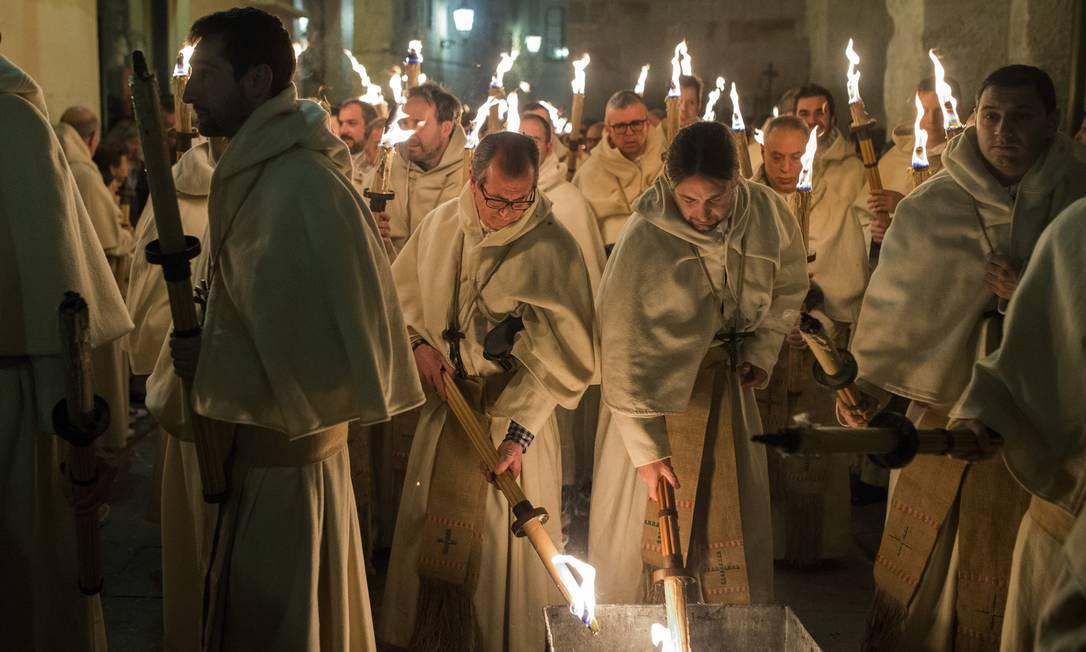 Com uma população de cerca de 70% de católicos, a Semana Santa é uma das tradições religiosas mais respeitadas no país Andres Kudacki / AP