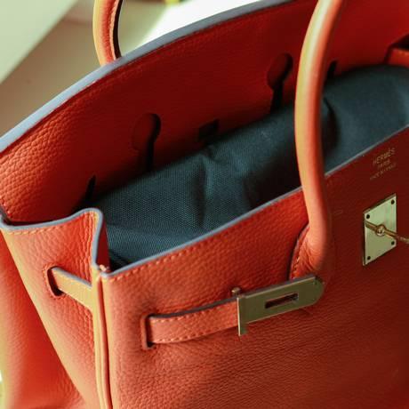 Britânicas carregam itens que vale um total de até 15 mil em suas bolsas Foto: Bárbara Lopes