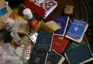 PF apreende documentos em casa de acusado de fraudar benefícios da Previdência Social Foto: Divulgação