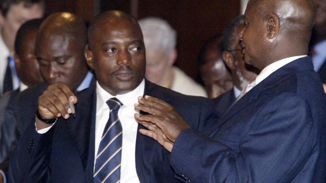 Joseph Kabila (esquerda) durante encontro em Nairóbi em 2008. Presidente americano, Barack Obama, destacou importância de eleições