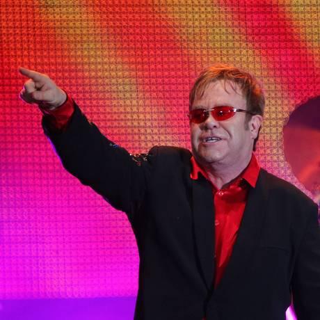 Elton John esteve no mesmo palco na Cidade do Rock em 2011 Foto: Ivo Gonzalez / Agência O Globo