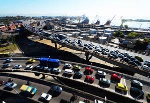 Semana Santa deve provocar aumento no fluxo de veículos para a Região dos Lagos Foto: Antonio Scorza / Agência O Globo (09/09/2014)