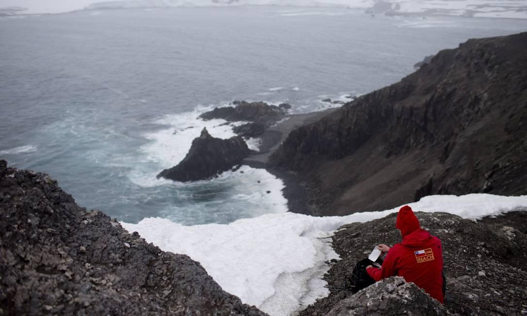 Aumento da temperatura provoca derretimento das geleiras a eleva nível dos mares na Antártida Foto: Natacha Pisarenko / AP