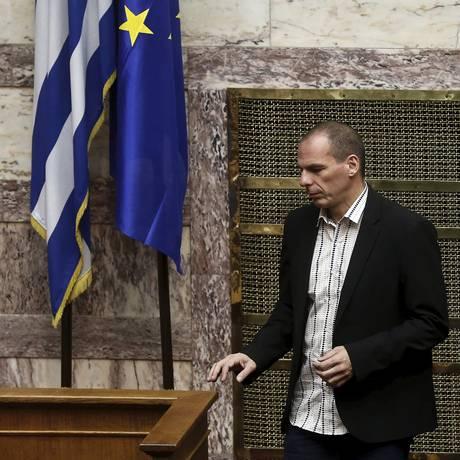 O ministro das Finanças grego, Yanis Varoufakis, durante a sessão parlamentar em Atenas, nesta quinta-feira Foto: ALKIS KONSTANTINIDIS / REUTERS
