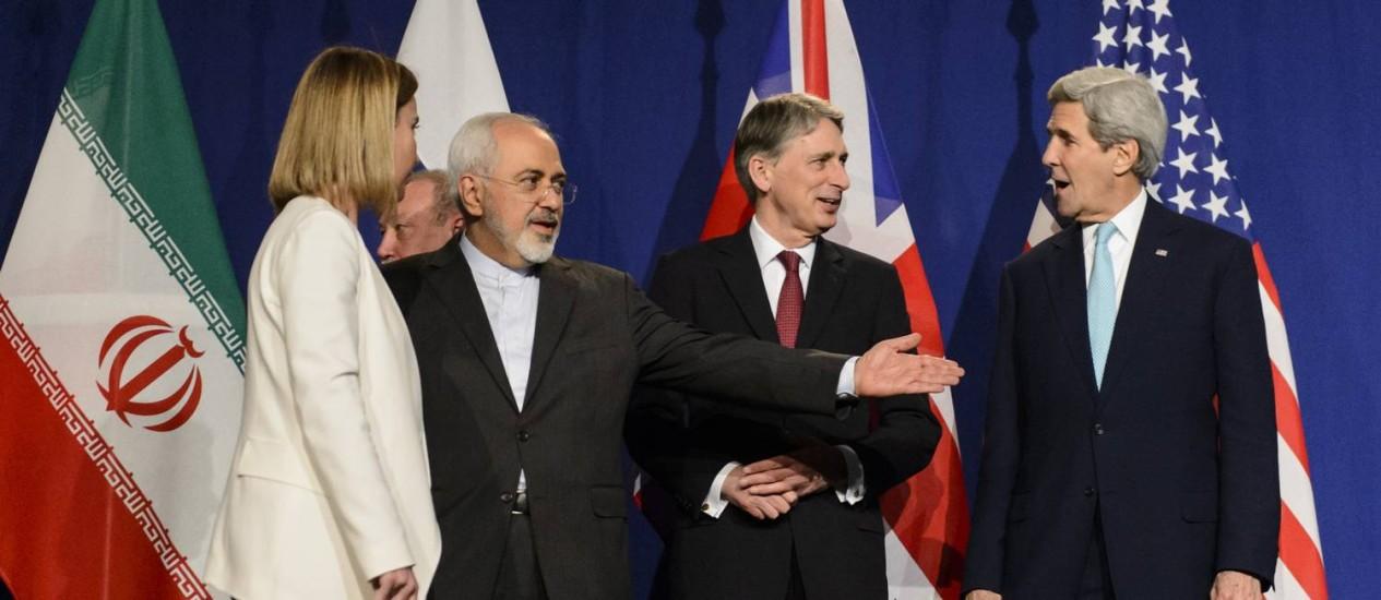 Resultado de imagem para Irã considera reatores navais que respeitem acordo nuclear fotos