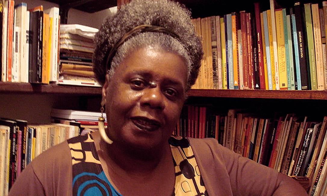 A escritora mineira Conceição Evaristo, sensação no Salão do Livro de Paris em março Foto: / Divulgação