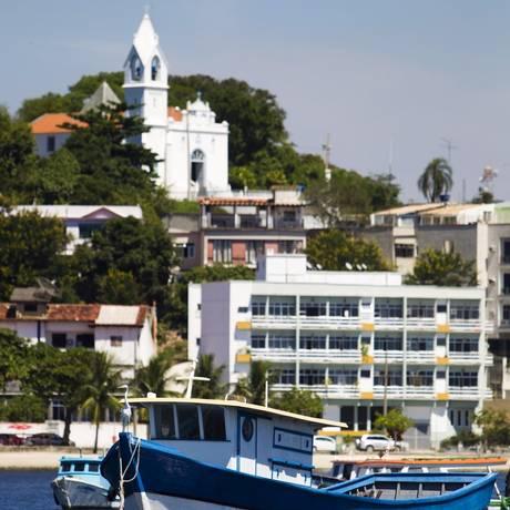 A paróquia da Sagrada Família, no Morro do Ouro, vista do mar Foto: Agência O Globo / Guilherme Leporace