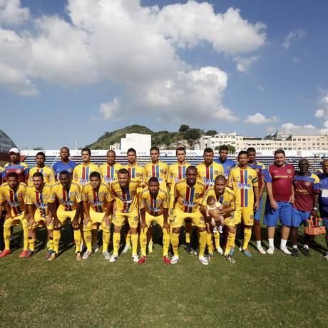 Com o empate de 1 a 1 com o Bonsucesso, o Madureira garantiu o título com três rodadas de antecedência; agora, vai em busca da Taça Guanabara Foto: Hudson Pontes / Agência O Globo