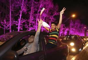 Vários iranianos foram às ruas em Teerã para comemorar acordo Foto: Vahid Salemi / AP