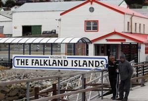 Veteranos de guerra em Port Stanley: três décadas depois, tensão pelas Malvinas se mantém Foto: Marcos Brindicci / Reuters