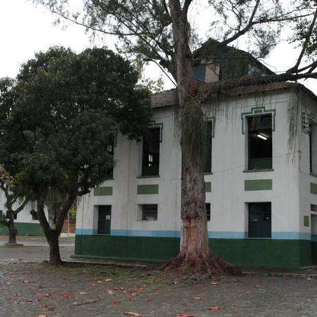 O prédio do 3º Batalhão de Infantaria, em São Gonçalo Foto: Hudson Pontes / Agência O Globo/10-08-2011