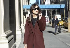 Maria Casadevall anda pela 5th Avenue, em Nova York Foto: TV Globo/Ze Paulo Cardeal