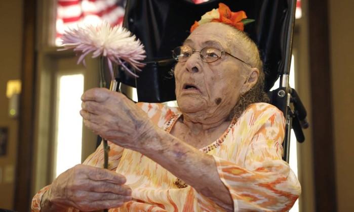 Resultado de imagem para pessoas mais velhos do mundo