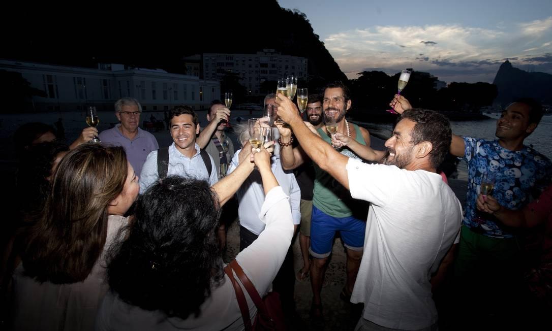 A programação começa com brinde de espumante na Mureta da Urca Foto: Bárbara Lopes / Agência O Globo