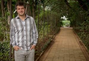 O escritor Ricardo Lísias lança