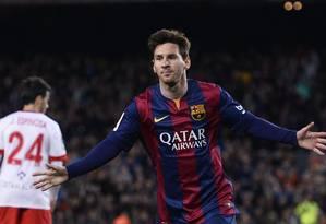 Messi comemora gol do Barcelona sobre o Almeria Foto: Manu Fernandez / AP