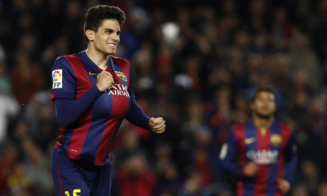 O zagueiro Bartra também deixou sua marca nas redes do Almería QUIQUE GARCIA / AFP