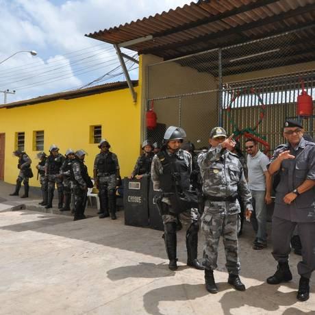 Policiais durante ação no Complexo Penitenciário de Pedrinhas Foto: Terceiro / Divulgação