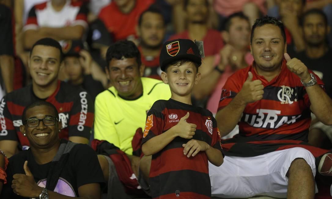 A torcida rubro-negra confiante no Moacyrzão Alexandre Cassiano / Agência O Globo