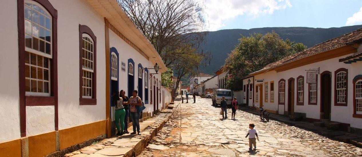 O casario da preservada Rua Direita, a mais importante do centro histórico de Tiradentes, em Minas Gerais Foto: Eduardo Maia