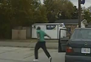 Walter Scott corre após policial voltar a viatura Foto: Repodução/North Charleston PD