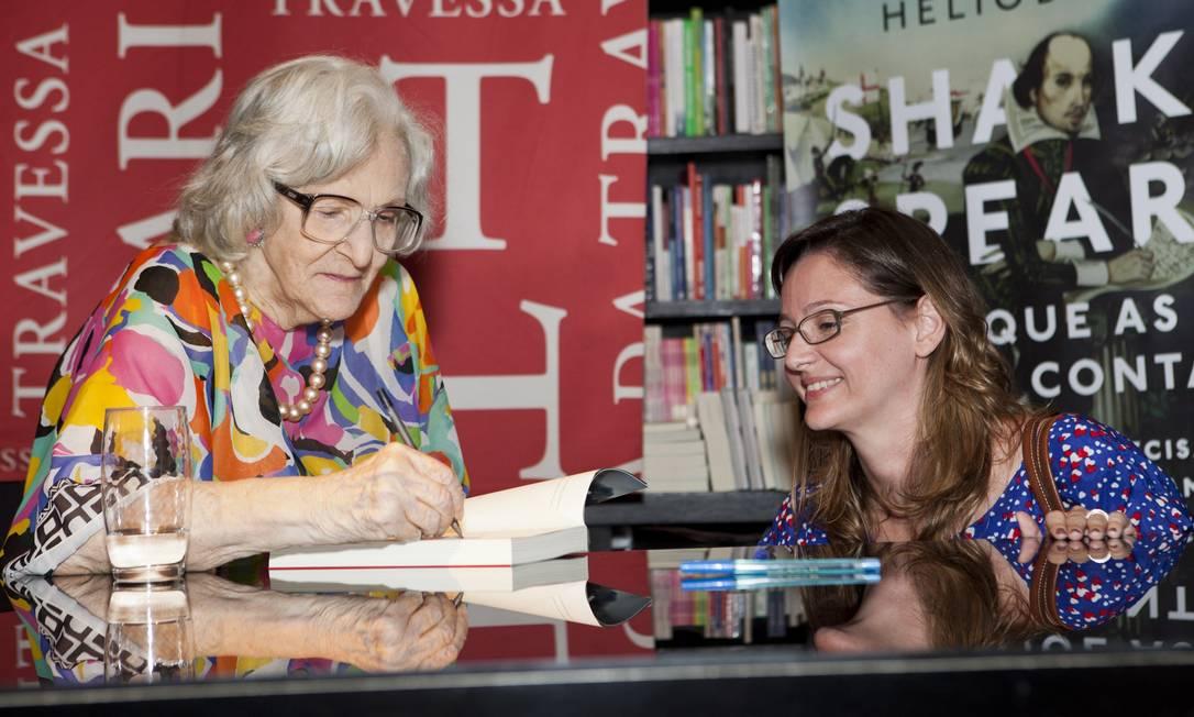 Barbara no lançamento de seu livro 'Shakespeare: o que as peças contam', em dezemnbro de 2014 na Livraria Travessa Bárbara Lopes / Agência O Globo
