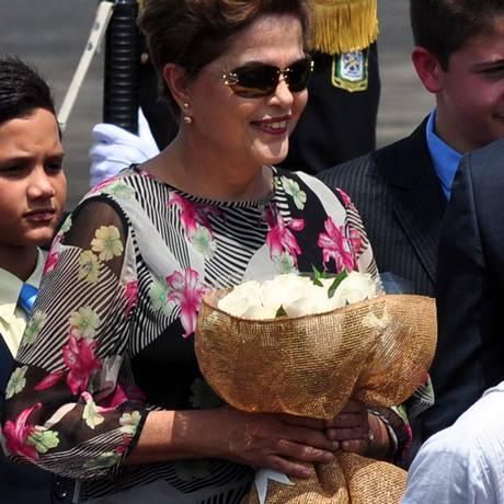 Dilma Rousseff chega à Cidade do Panamá: encontro com Obama no sábado Foto: EDUARDO GRIMALDO / AFP