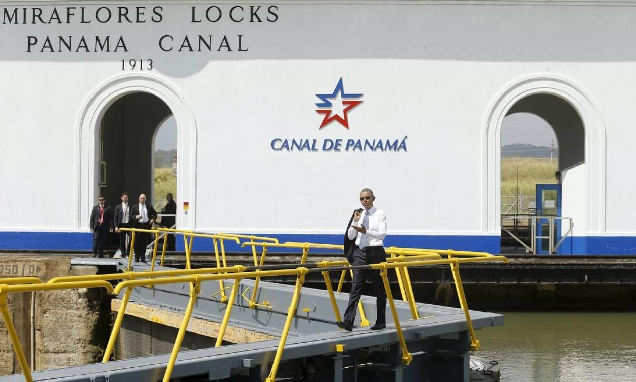 Barack Obama visita o Canal do Panamá. O presidente americano ficará no país até sábado, quando se encontra com Dilma Foto: JONATHAN ERNST / REUTERS