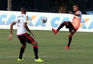 O meia Everton pode ser uma opção para Luxemburgo no domingo Foto: Cezar Loureiro / Agência O Globo