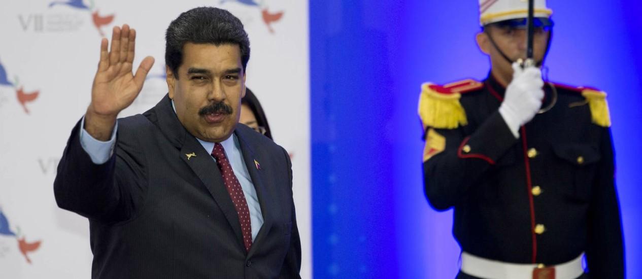 Presidente venezuelano, Nicolás Maduro, na chegada à cerimônia de abertura da VII Cúpula das Américas, na Cidade do Panamá Foto: Moises Castillo / AP