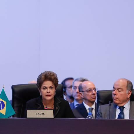 Presidenta Dilma Rousseff discursa durante a primeira sessão plenária da Cúpula das Américas, no Panamá Foto: Agência O Globo