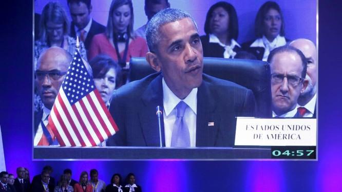 Obama durante a primeira sessão plenária da Cúpula das Américas, neste sábado Foto: JONATHAN ERNST / REUTERS