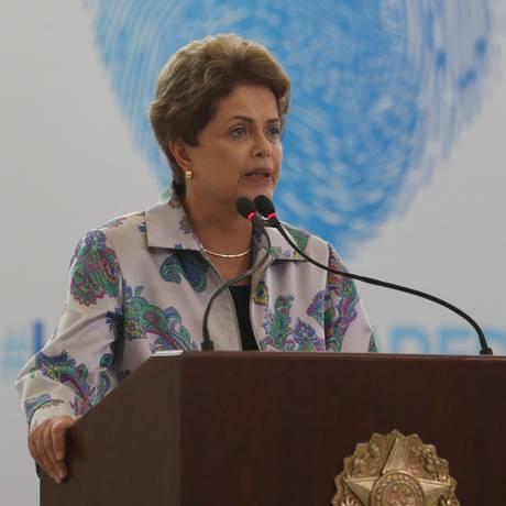 Datafolha aponta que 63% dos entrevistados apoiariam o impeachment de Dilma Roussef Foto: André Coelho/07-04-2015 / Agência O Globo