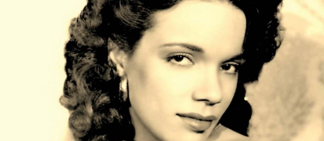 Caçula. Aurora Miranda na 1930: ela era a mais jovem das meninas da família, depois de Carmen, Olinda e Cecília Foto: Reprodução / Reprodução