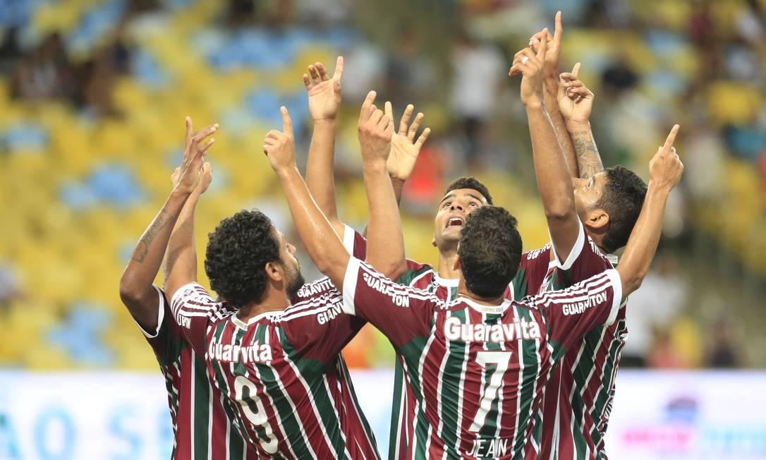 Jogadores do Flu festejam: time inverteu a vantagem que era do Botafogo na semifinal Nina Lima / Agência O Globo