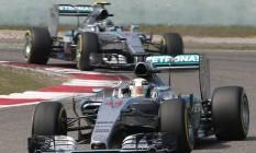 Dobradinha da Mercedes: Hamilton em primeiro e Rosberg em segundo Foto: Toru Takahashi / AP
