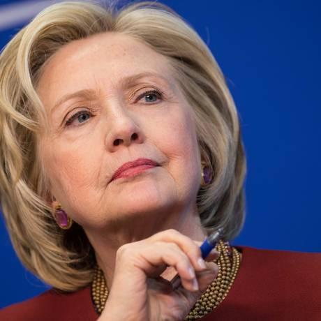 Foto de 23 de março de 2015 mostra a ex-secretária de Estado dos EUA Hillary Clinton em um debate no Centro de Americano de Progresso, em Washington Foto: NICHOLAS KAMM / AFP