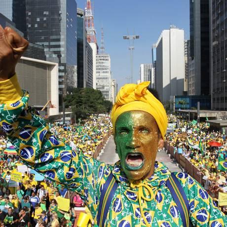 Ato na Paulista contra o governo federal reuniu 275 mil pessoas Foto: Michel Filho / Agência O Globo