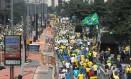 Manifestação em São Paulo reuniu 275 mil na Avenida Paulista neste domingo, 12 de abril Foto: Michel Filho / Agência O Globo