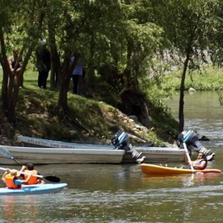 Parque Ecoalberto, em El Alberto, México. Além de atividades esportivas, o parque oferece a experiência de ser um imigrante ilegal que cruza a fronteira com os EUA Foto: Divulgação